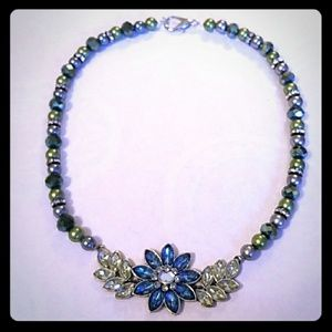 Jewelry - Vintage Blue and Teal Green Flower Bead Necklace